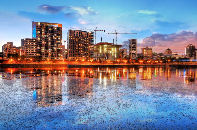 2020 Colorful Downtown Montreal Cityscape at Sunset - Royalty-Free Stock Imagery